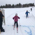 Alma Lahti tar emot Tornedalsloppets yngsta startfält